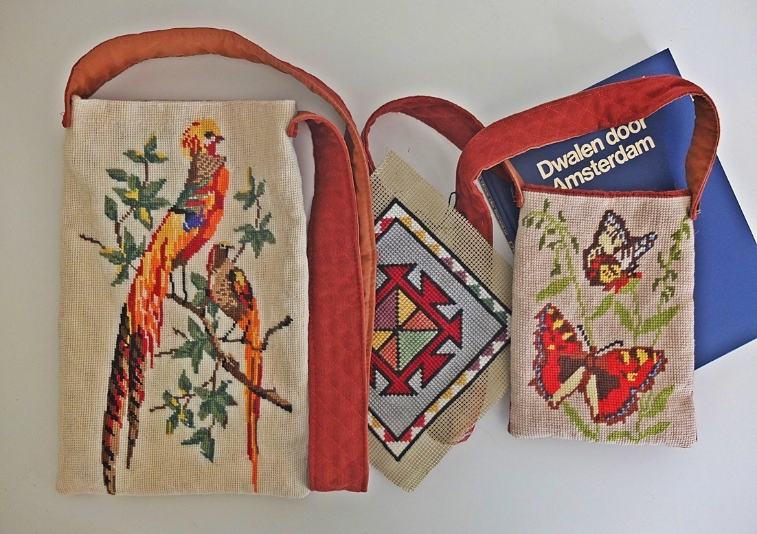 tapisserietasjes papegaaien en vllinders