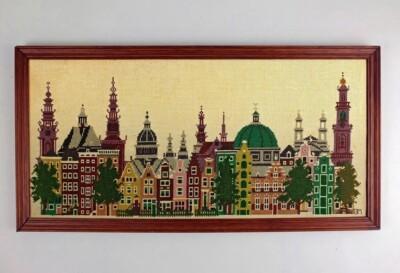 Geborduurde torens en grachtenhuizen van Amsterdam