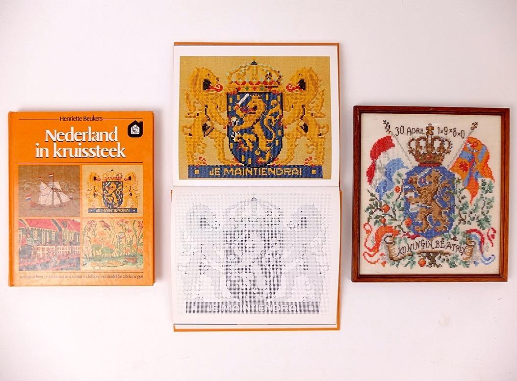 Twee boeken Holland in kruissteek