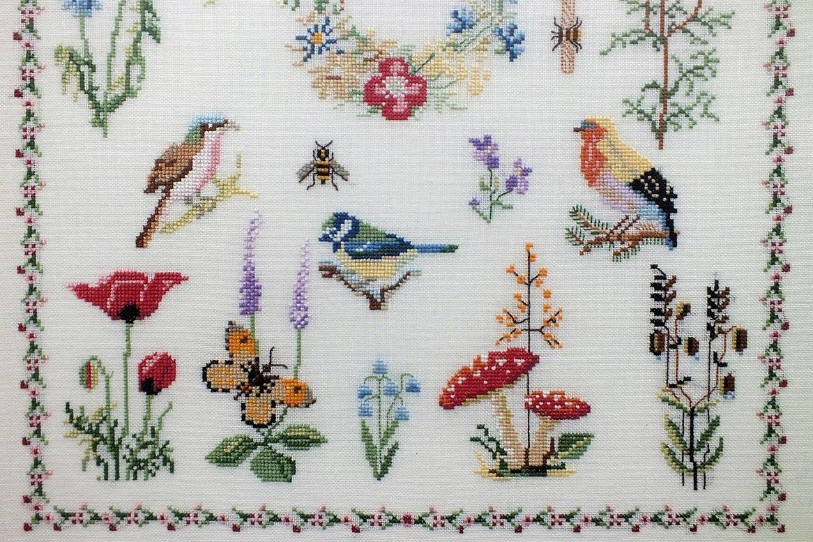 geborduurde-vogeltjes-en-vlindertjes