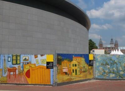 Drie schermen met schilderijen van Gogh