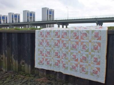 Tweepersoons quilt bij sluizen Houtribdijk