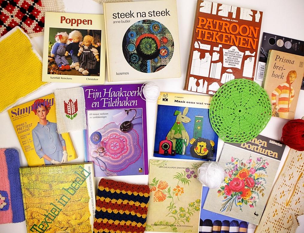 Tien oude handwerkboeken