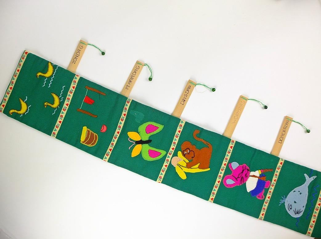 Kinderkamer-hanger dagen van de week