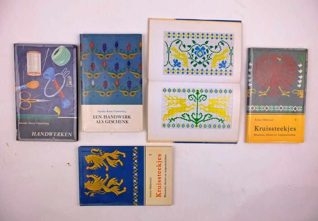Handwerkboekjes kruissteek