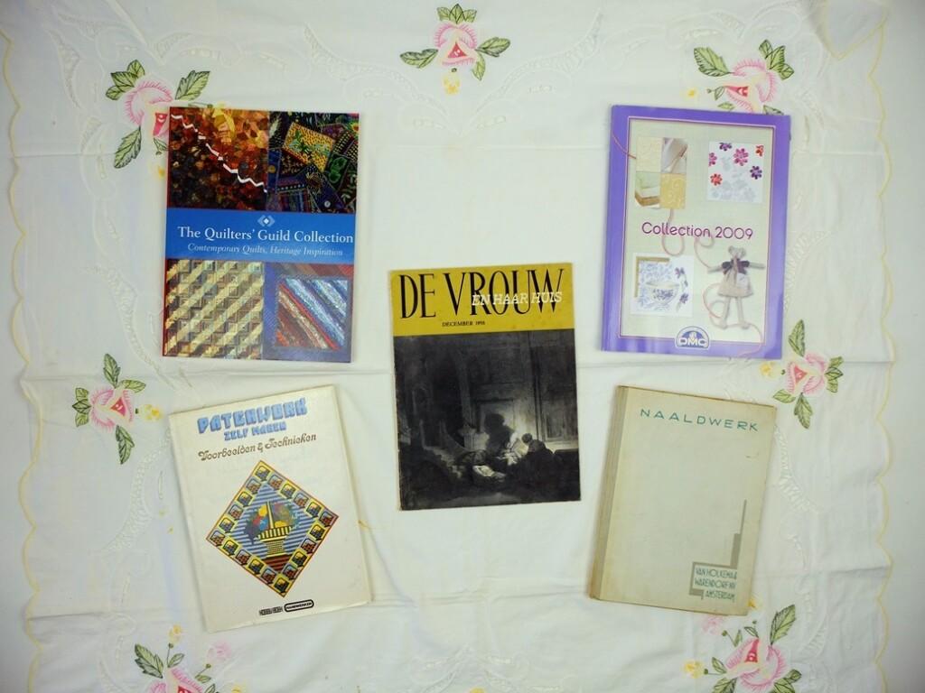 vijf vintage handwerkboeken