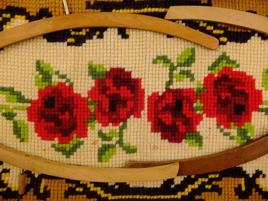 Borduurwerk rozen loper