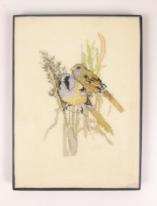 Geborduurd schilderijtje twee vogeltjes