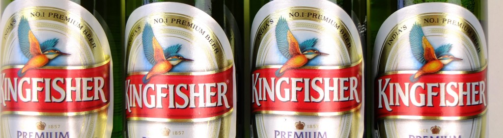 Vier etiketten bier afbeelding kingfisher
