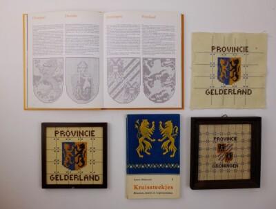 Boekjes en borduurwerkjes wapenschilden