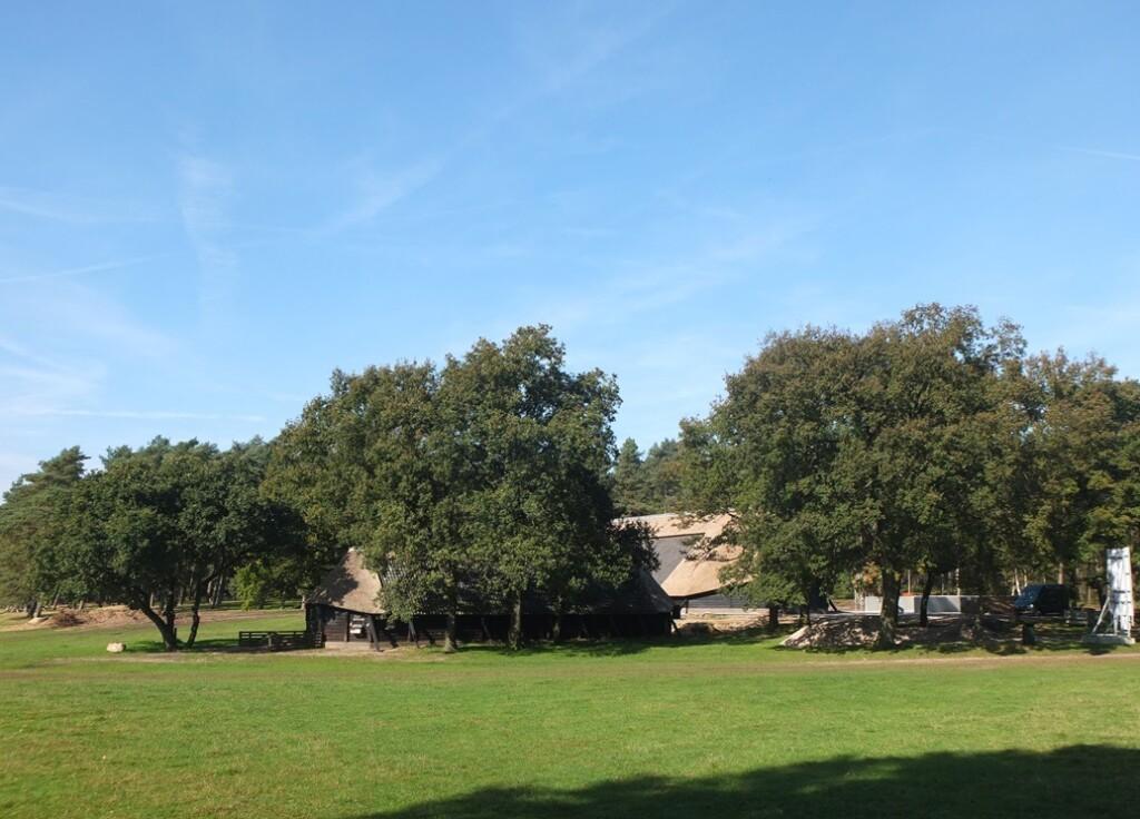 Oude en nieuwe schaapskooi op Loenermark