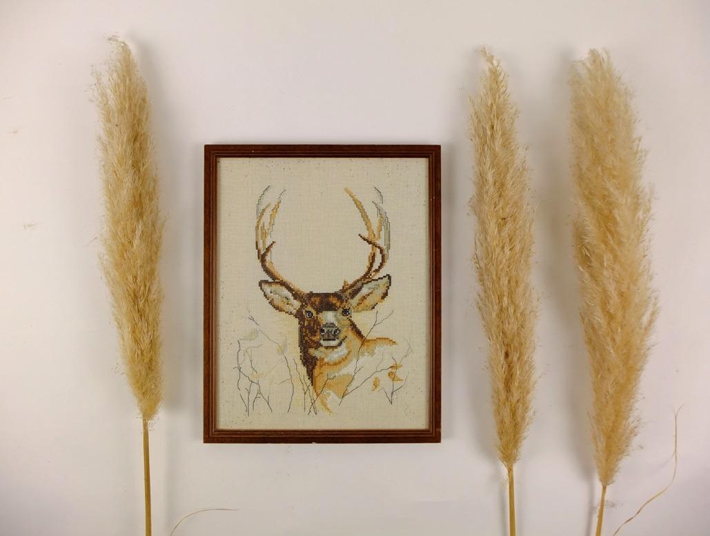Geborduurd schilderijtje hert