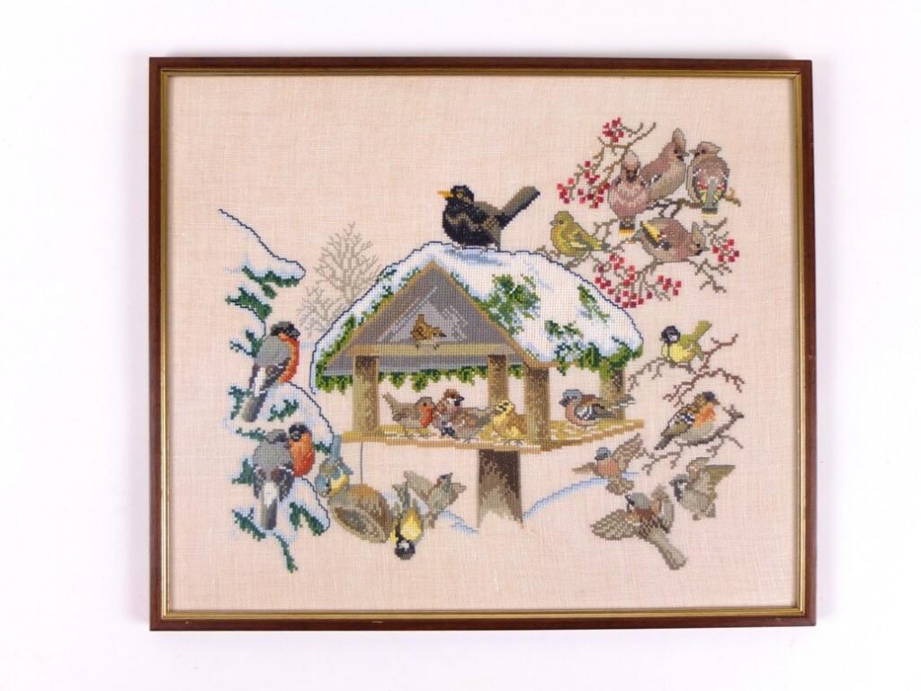 Geborduurd schilderij vogelhuisje