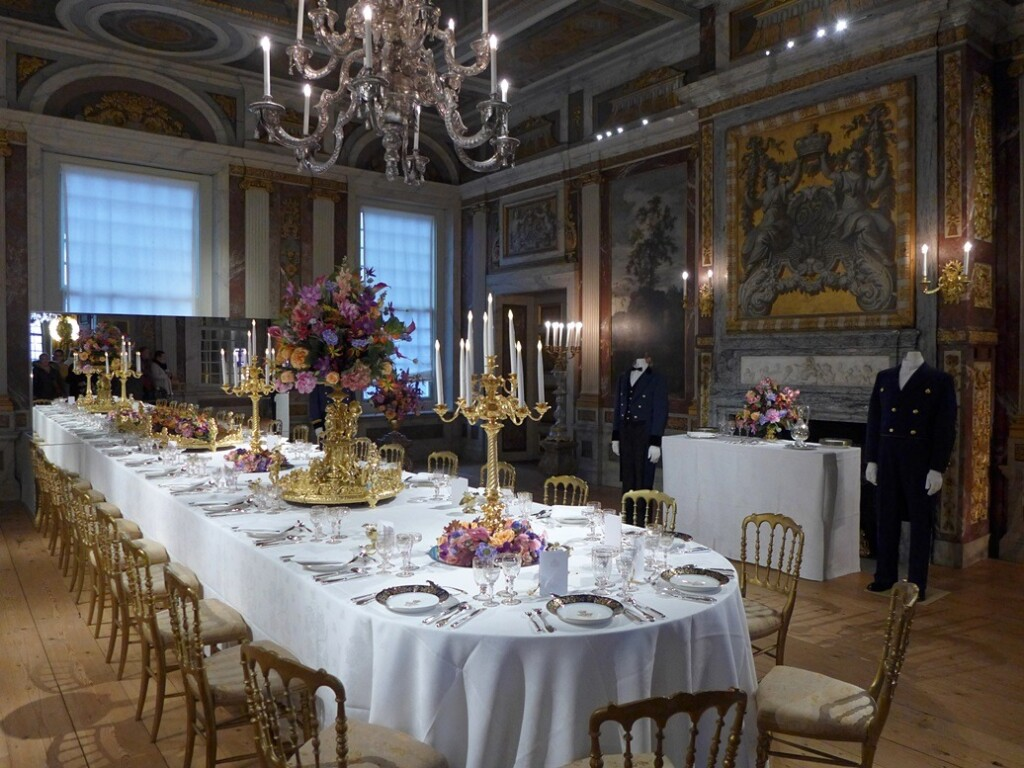 Gedekte tafel op paleis het Loo
