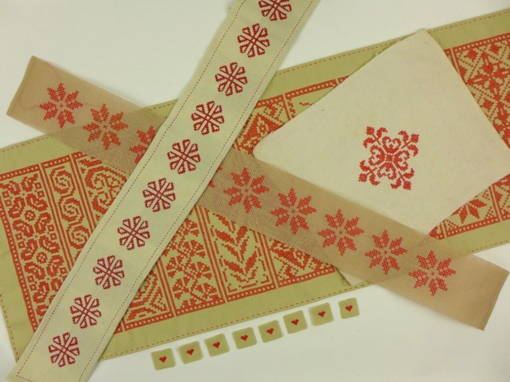 Rode borduurwerkjes kerst
