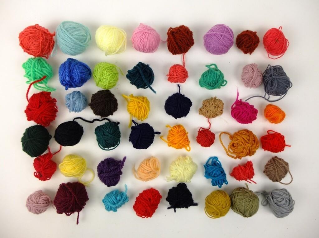 Kleurige bolletjes wolBolletjes wol