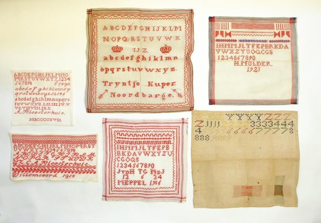 Vijf oude merklappen uit Drente