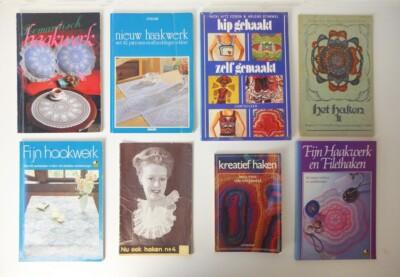 Acht boeken over haken