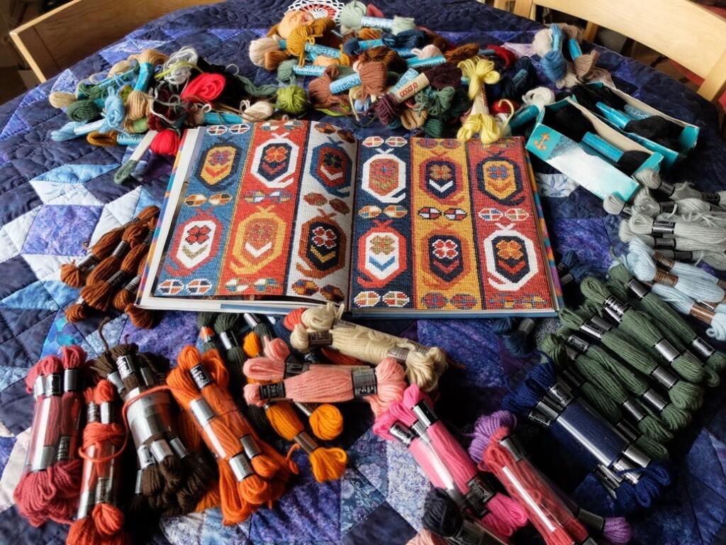 Strengen dmc wol met patronenboek etnische emotieven