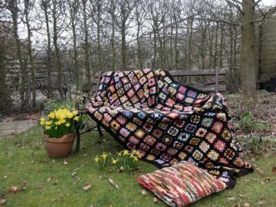 Gehaakte deken tijdens zonsverduistering