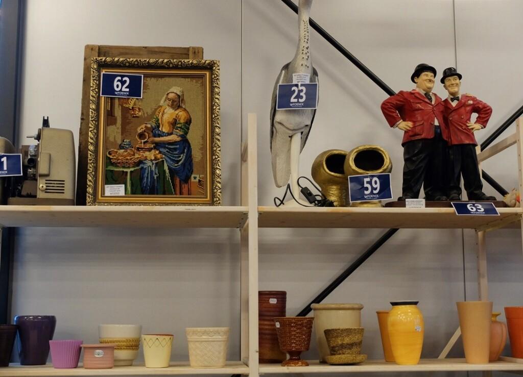 Tapisserie schilderijen in kringloopwinkel