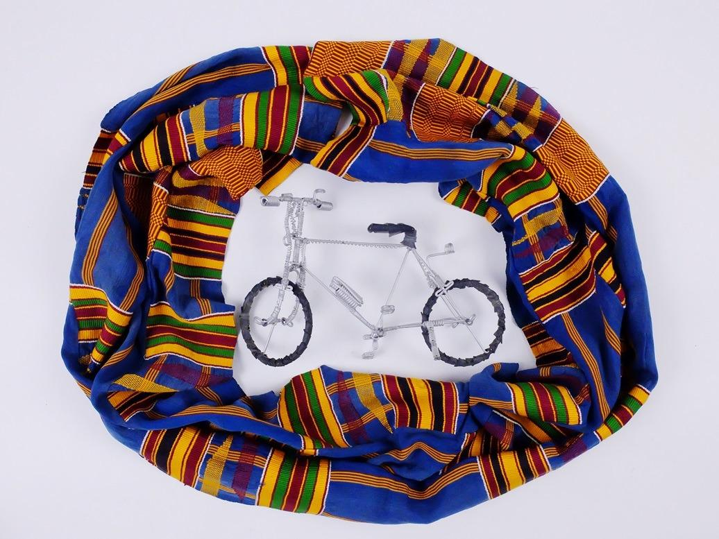Afrikaanse doek van geweven banden met fietsje