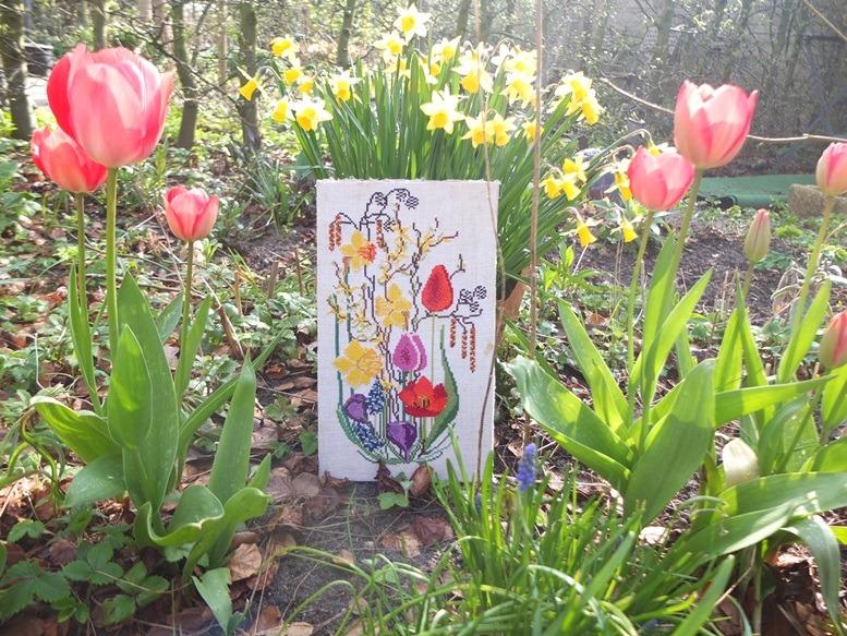 Borduurwerkje voorjaarsbloemen