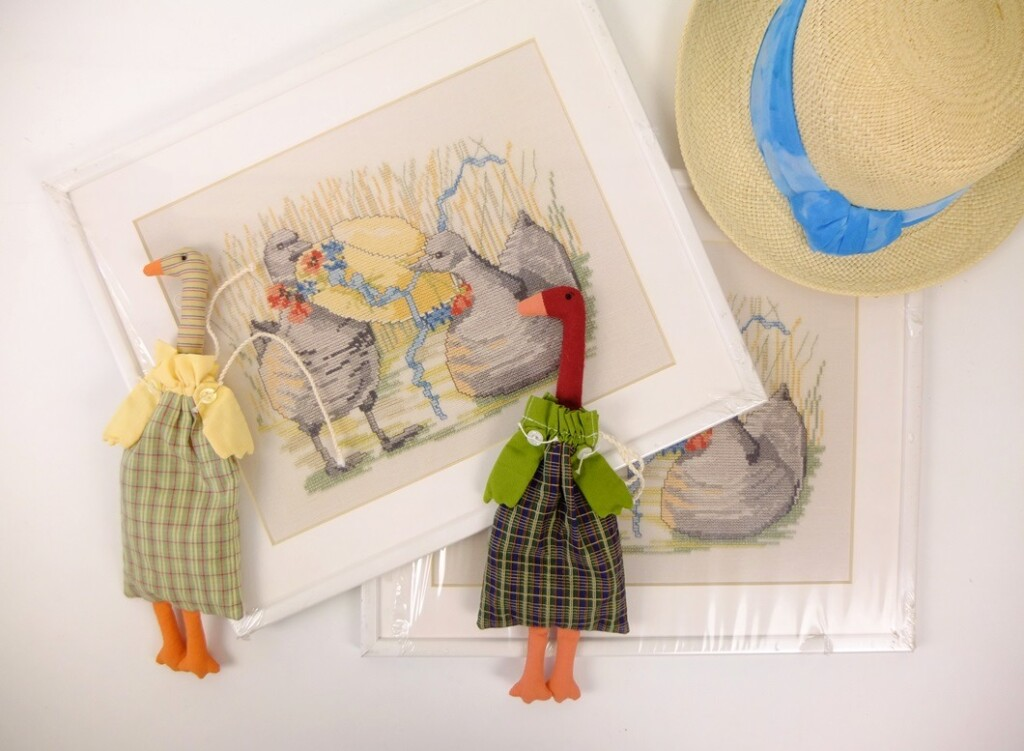 Schilderijtjes ganzen met strohoed