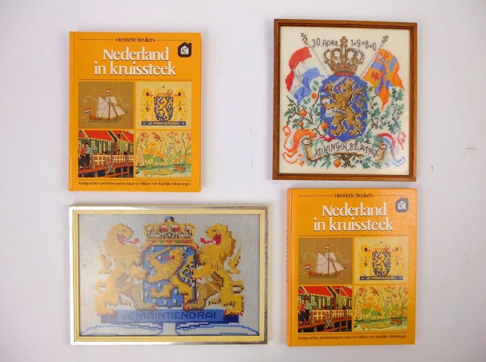 Twee boeken Nederland in kruissteek