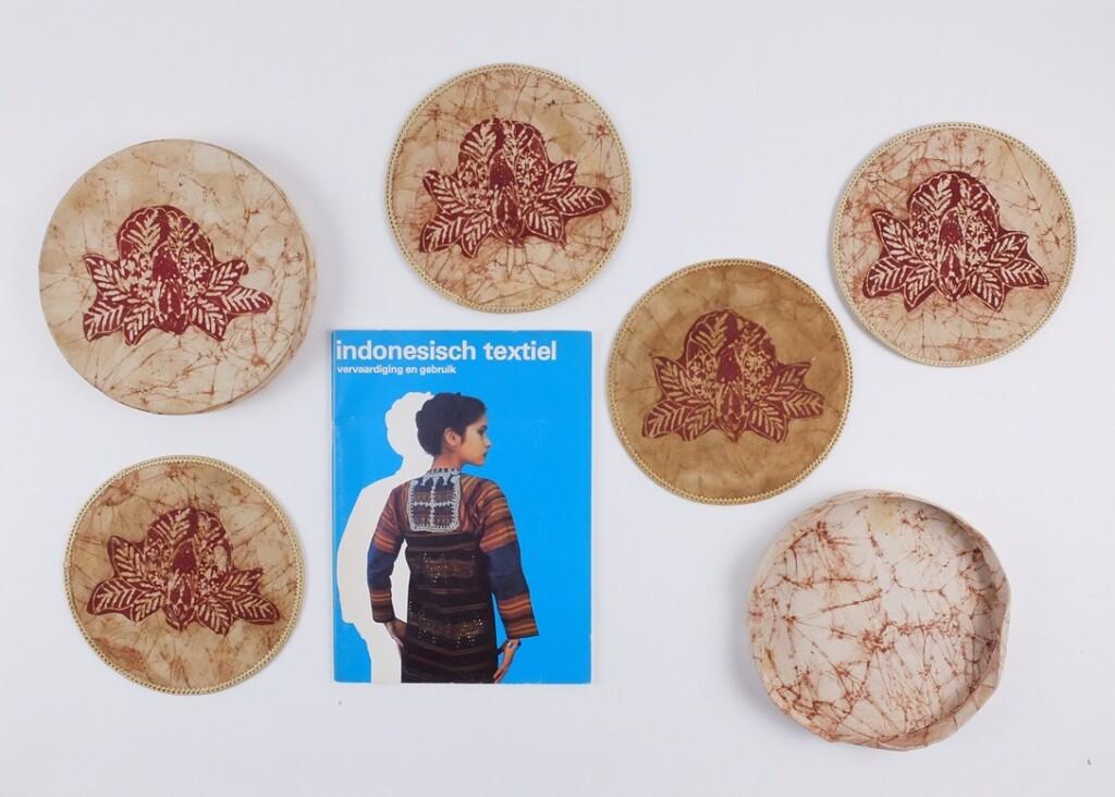 Boekje Indonesisch textiel
