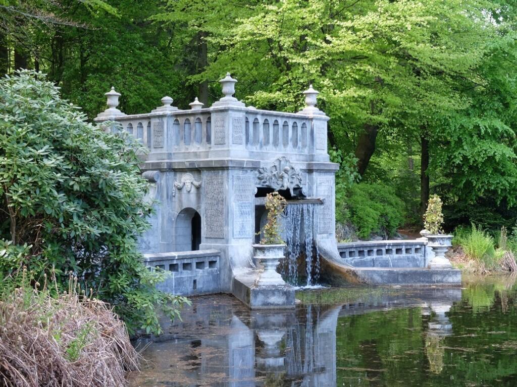 Waterval paleispark het Loo