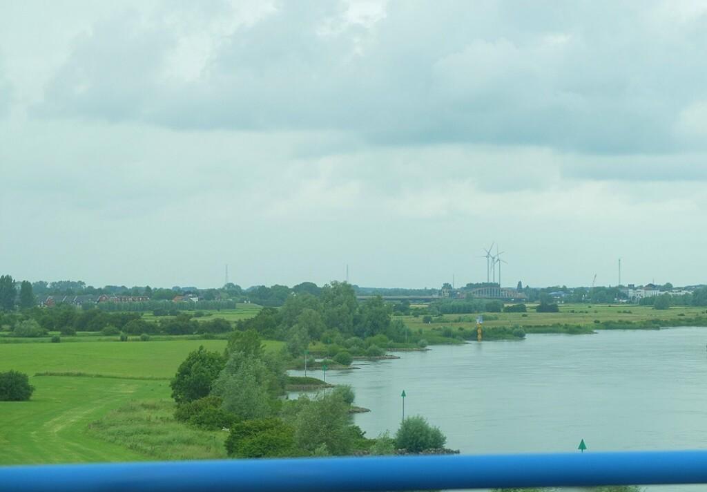 IJssel vanaf nieuwe brug bij Zutphen
