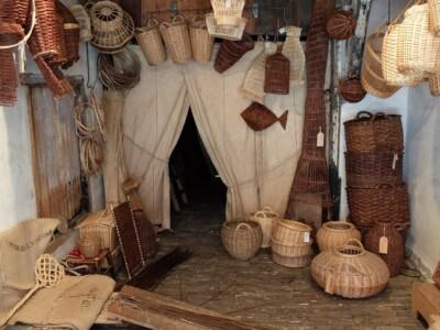 Mandenmakerij in Zuiderzeemuseum