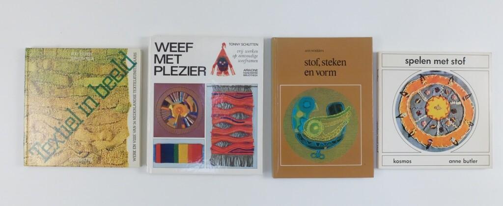 Vier oude handwerkboeken