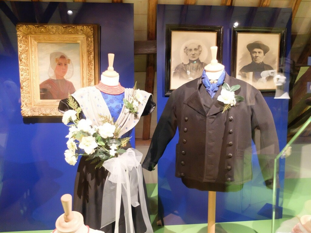 Klederdracht in museum Bevalenden in Goes