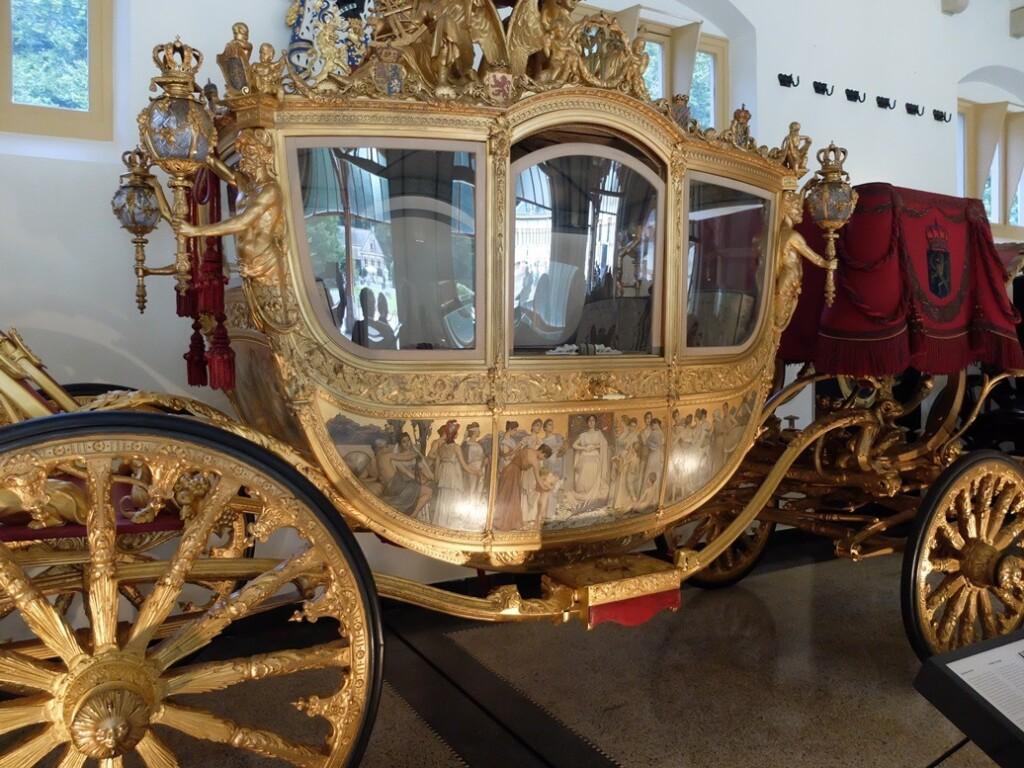 Gouden koets op paleis het Loo