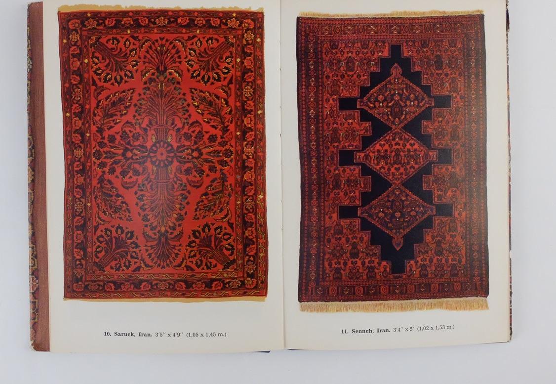 Pagina uit boekje Oriental Rugs in Colour