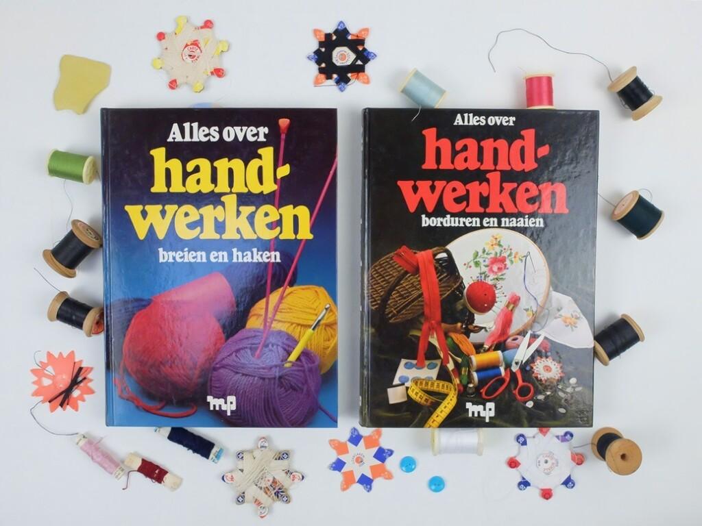 Twee boeken Alles over handwerken