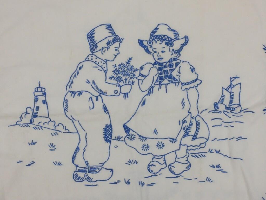 Boertje en boerinnetje blauw geborduurd