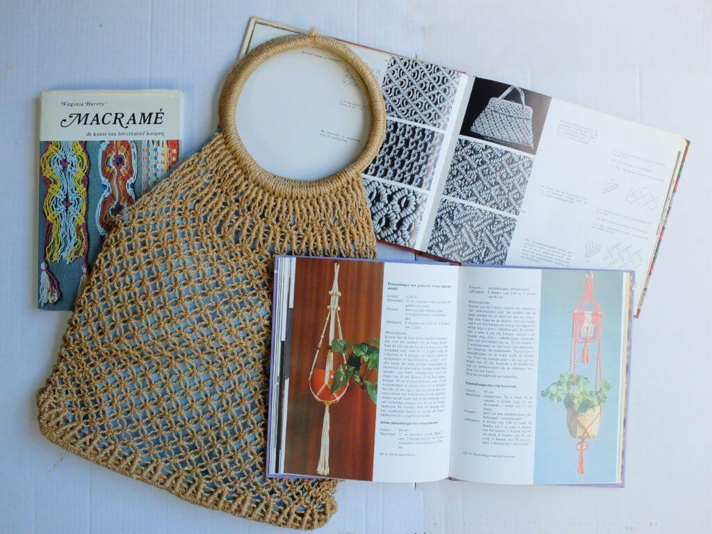 Tas en boeken macramé