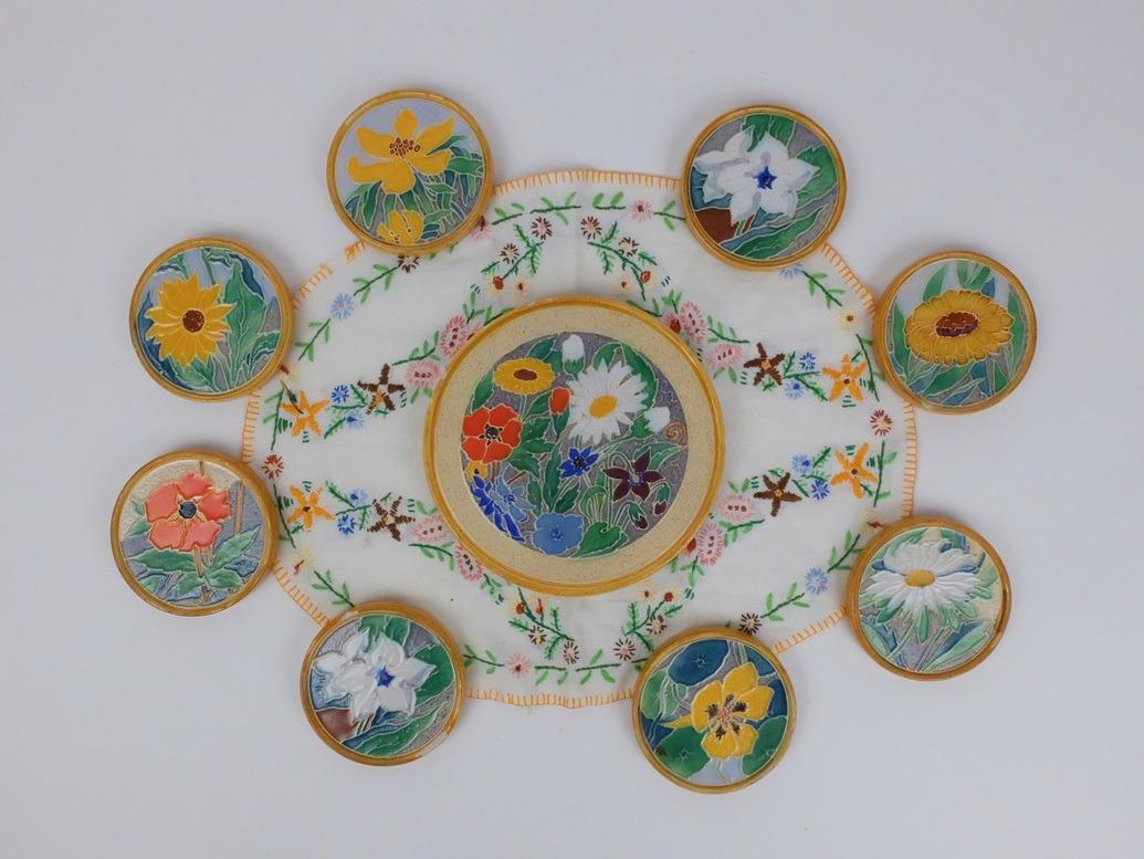 Kleedje met ronde bloemen tegeltjes