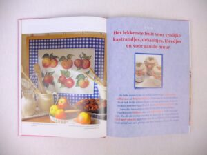 Pagina uit Margriet Kruissteekboek