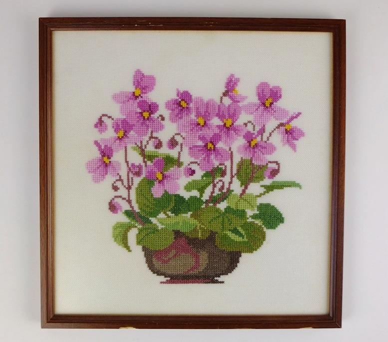 Geborduurd schilderij Cyclaam