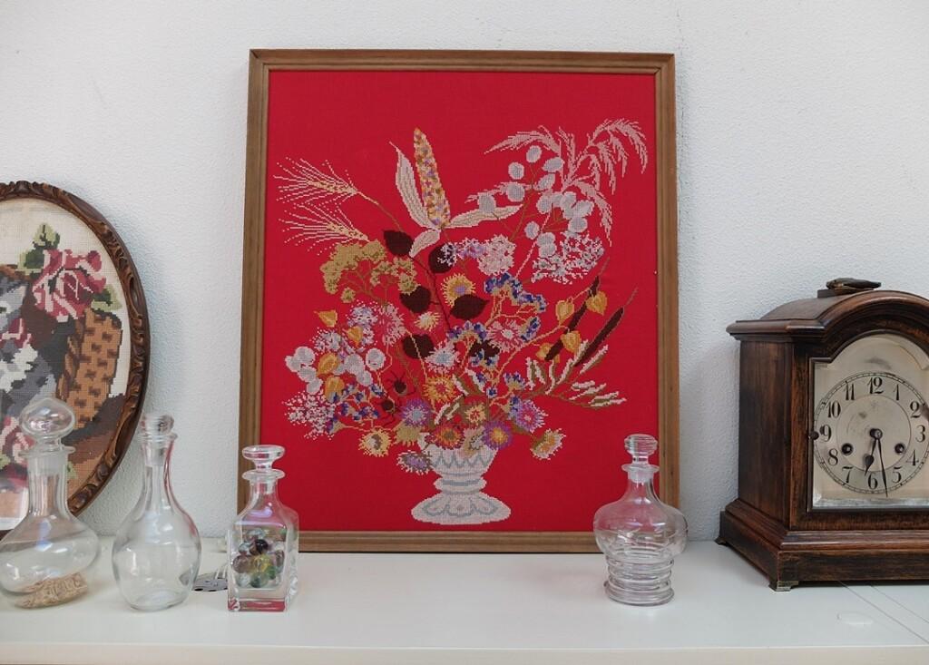 Geborduurd schilderij droogbloemen Mies Bloch