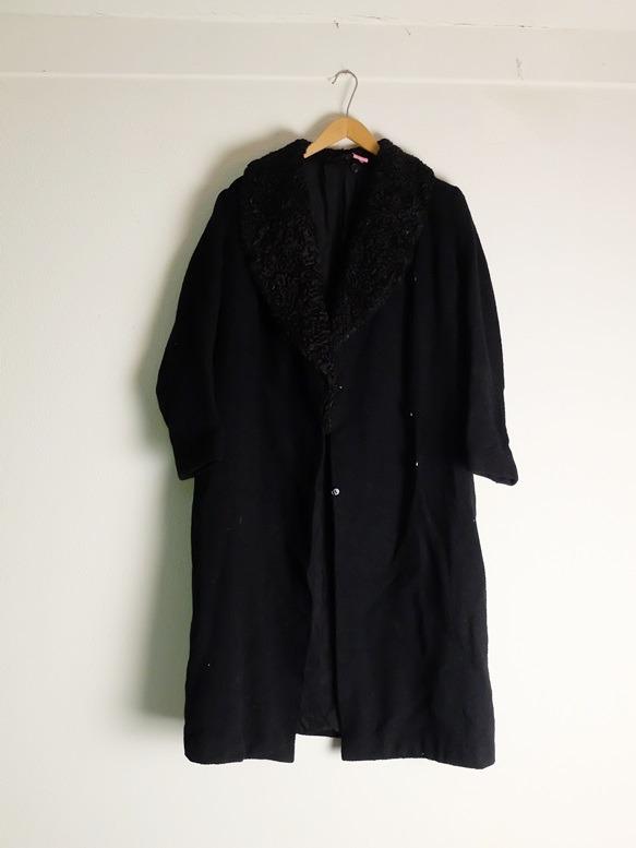Negentiende eeuwse zwarte jas, Dickens