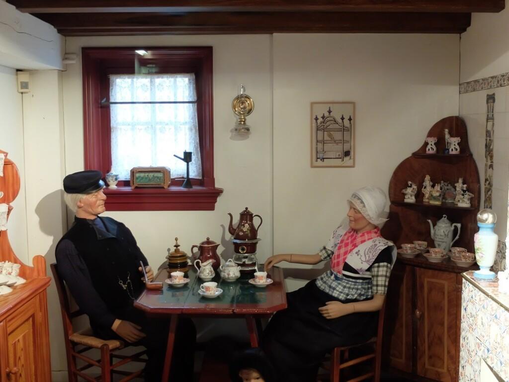 Opstelling koffiedrinken in museum Spakenburg