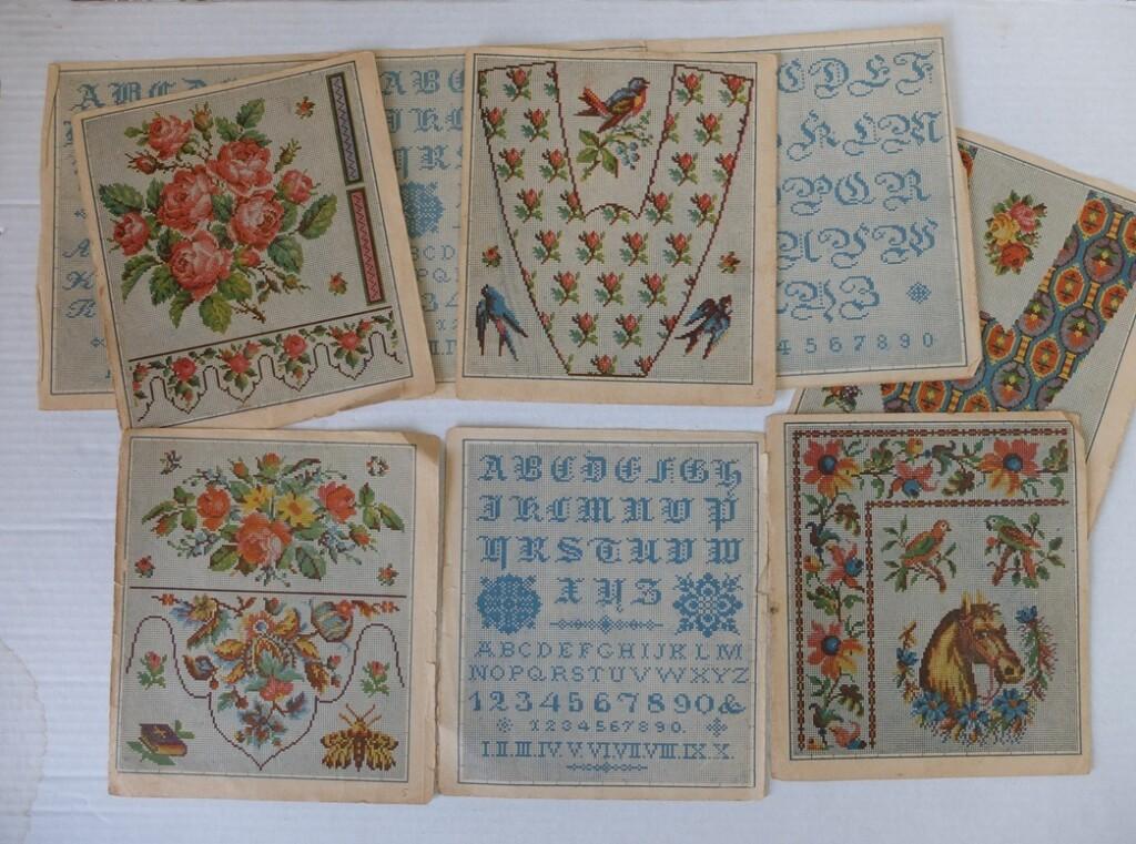 Oude borduurpatronen met alfabet