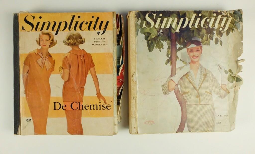 Twee oude boeken Simplicity