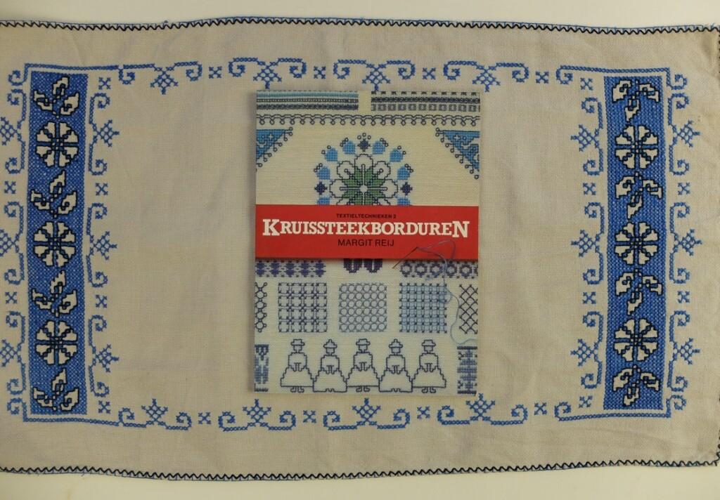 Boekje Kruissteek borduren Margit Reij