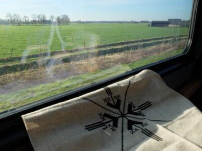 Borduurwerkje in trein